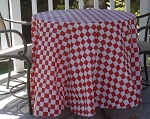 Checker red/white plastic table covers