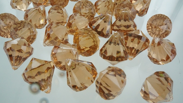 Acrylic diamonds BROWN