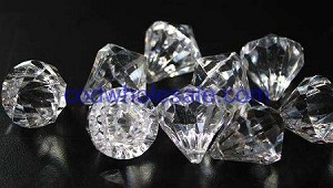 Acrylic diamonds CLEAR